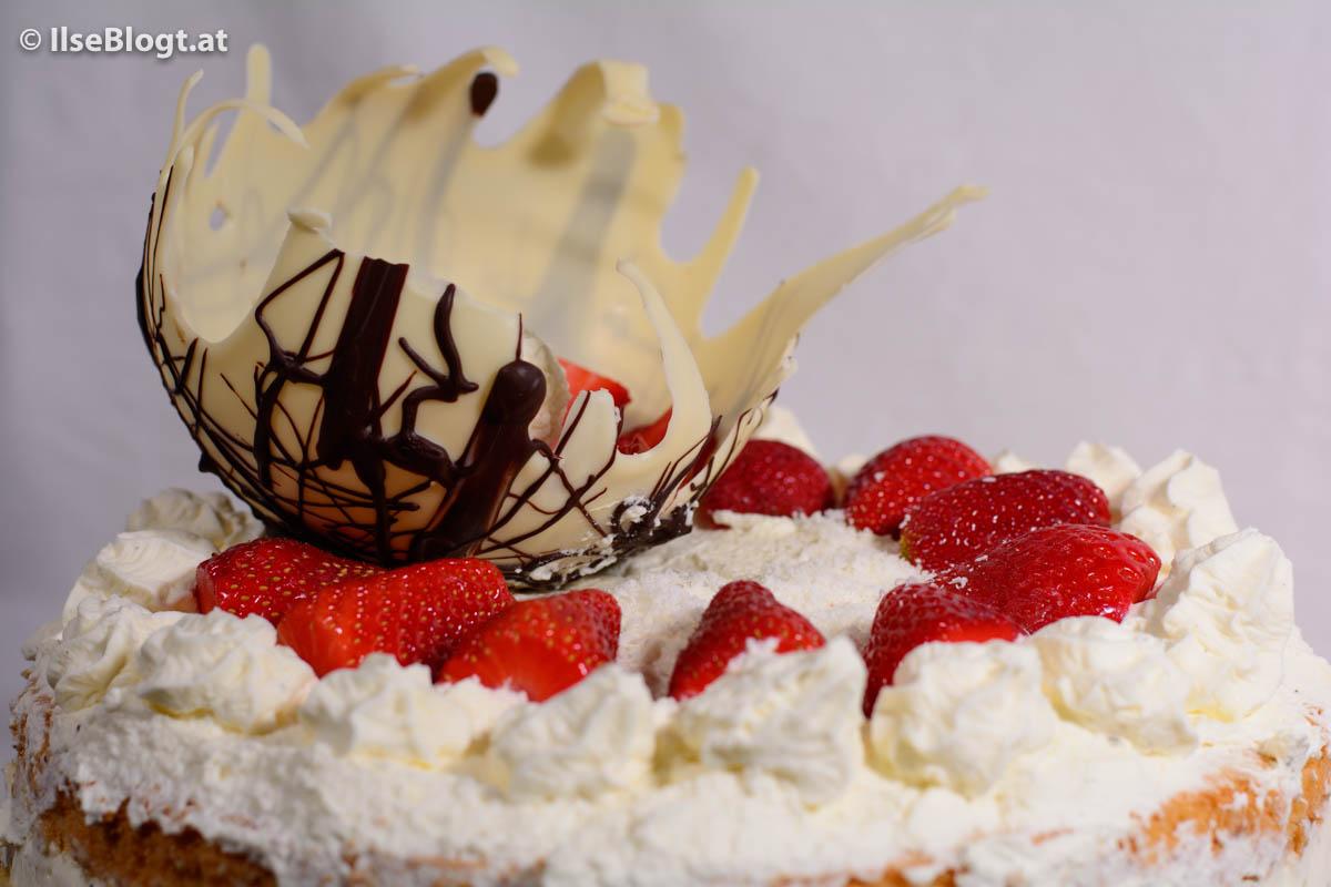 Kokos-Erdbeer-Torte-0003